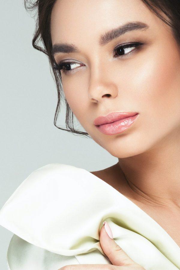 Asian glamour woman beauty make up portrait